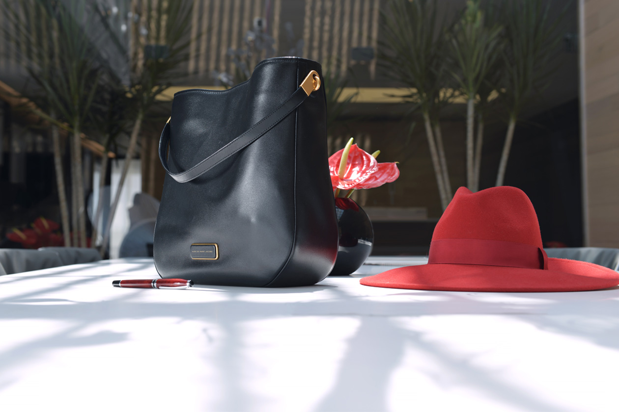 eight30 - red hat - h&m - marc jacobs bag - factory 54