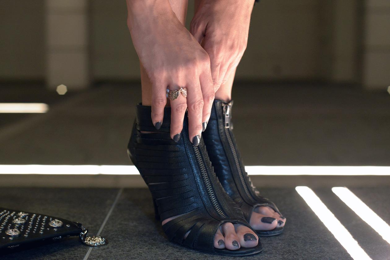 eight30 fringe black aldo heels h.stern ring