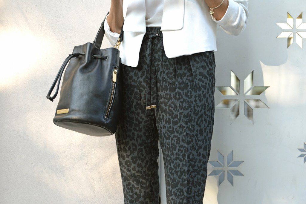 eight30 white jacket outfit mango juicy couture zucker marc jacobs