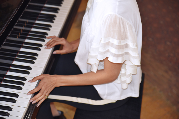 eight30 - fashion blog - israel - tel aviv -  chloe - ss2017 - love story - Chloé Mini Drew Leather Shoulder Bag  - Eau de Toilette - Fragrance - dress - piano - concert